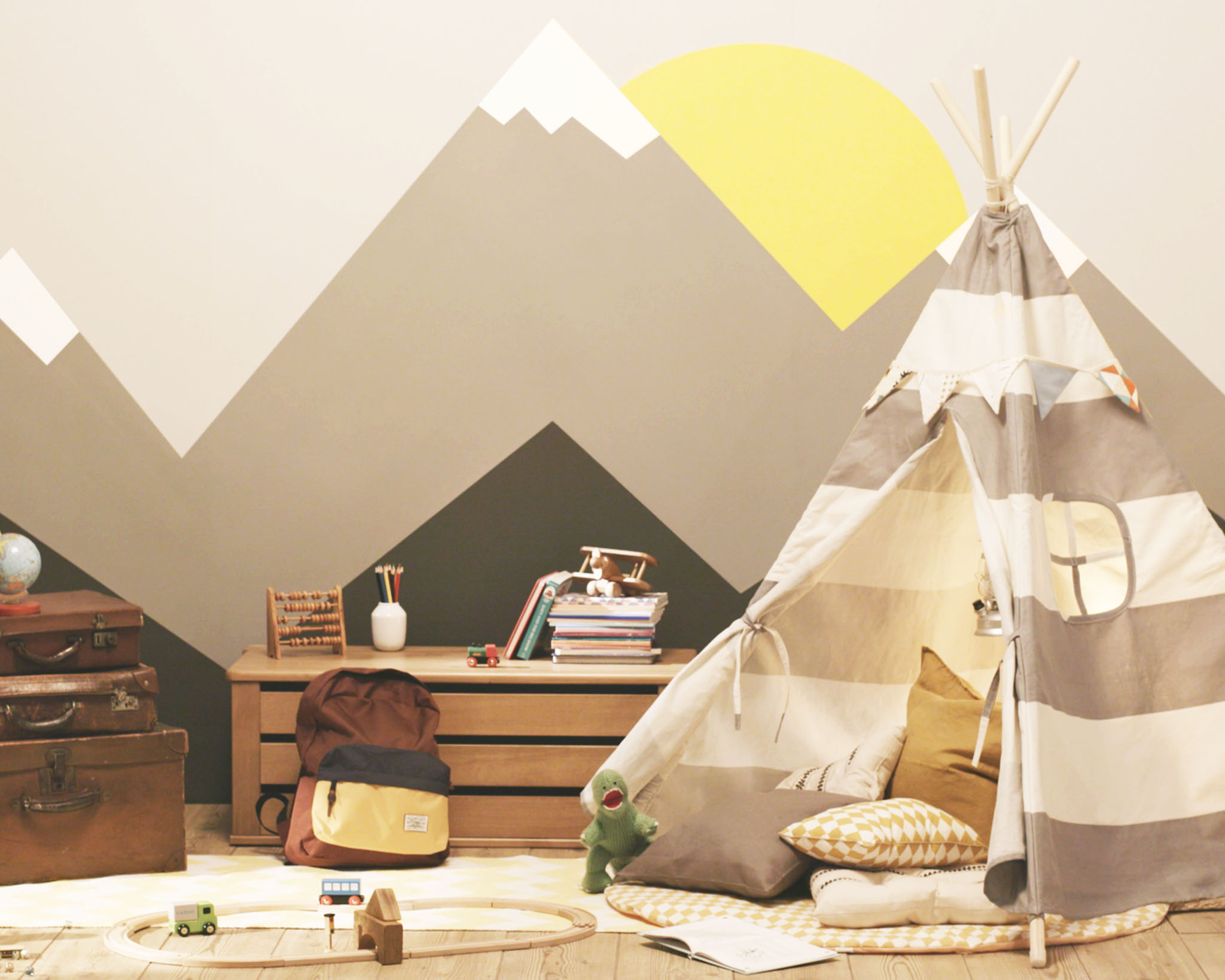 See how simple it is to create an adventure-themed bedroom for your boy