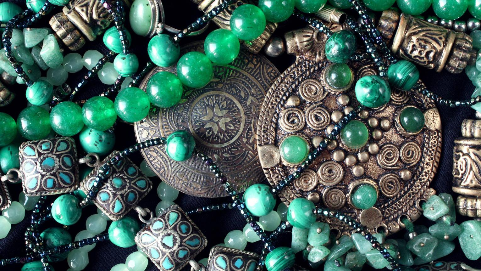 Emerald, turquoise and bronze jewels