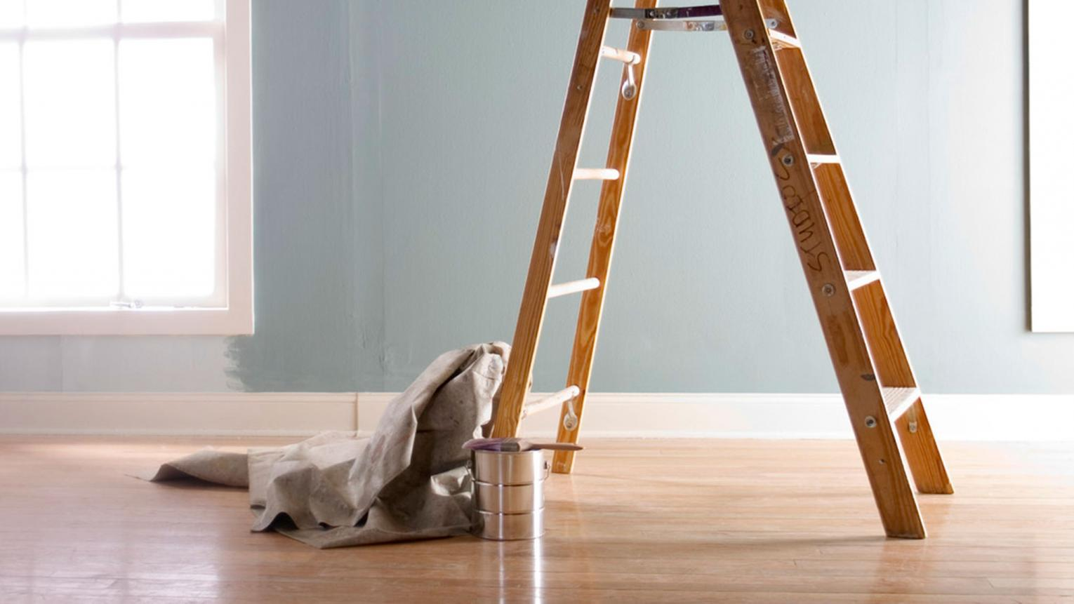 Preparing to paint your ceiling? Follow this step-by-step guide to achieving a flawless finish.