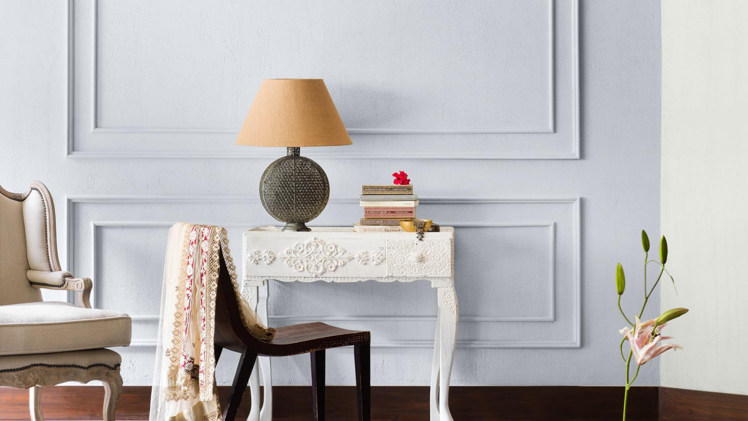 Warm white, cool white, or a mix of both? Discover when to paint warm and cool whites, and how to mix them for an elegantly understated look