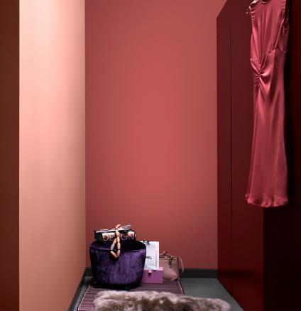 Create a feeling of luxury in your dressing room with a glamorous colour palette of rich pinks.